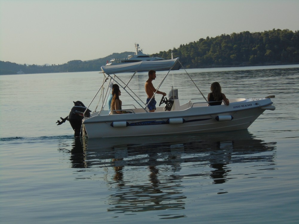 Rental Motor boat Assos Marine with a permit