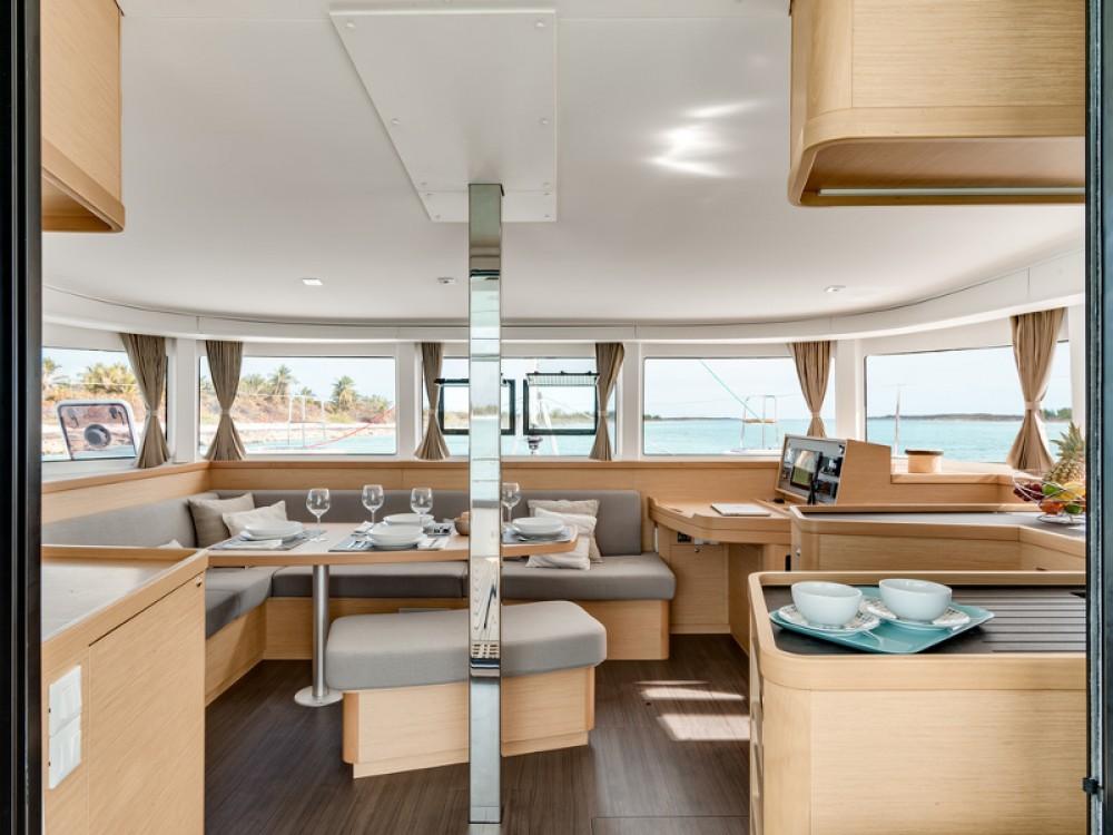 Rental yacht Cos - Lagoon Lagoon 42 (4 dbl + 1 single ) on SamBoat