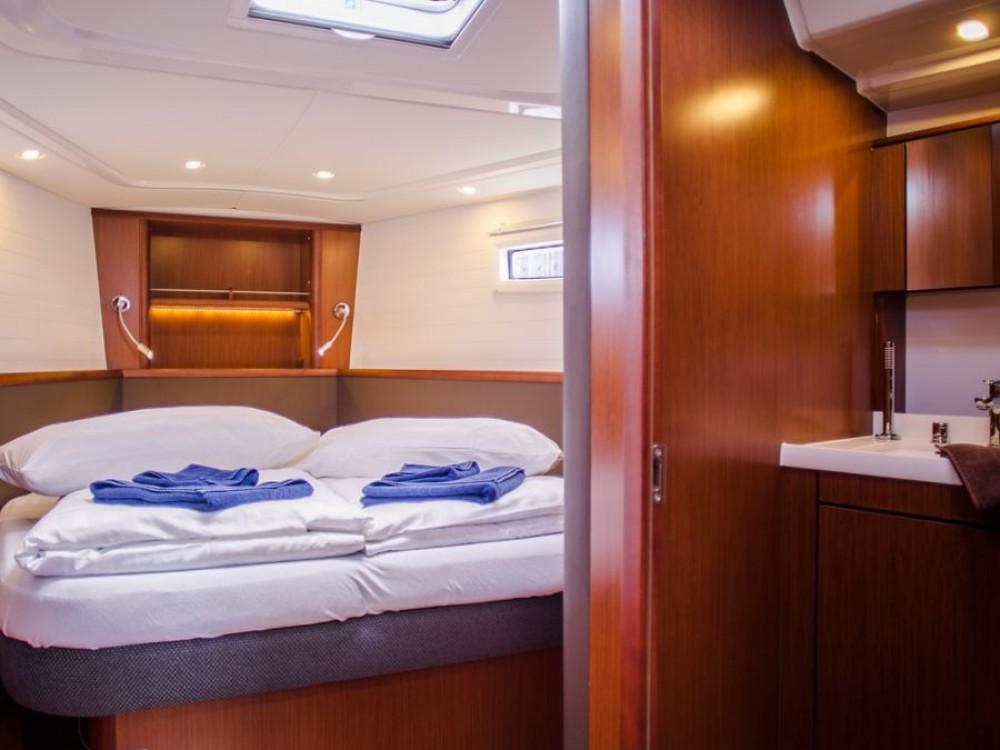 Boat rental Marina Naviera Balear cheap Bavaria Vision 46