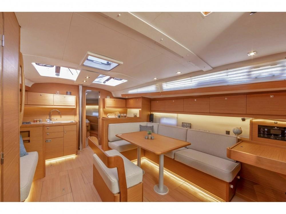 Boat rental Dufour Dufour 430 Grand Large in ACI Marina Dubrovnik on Samboat