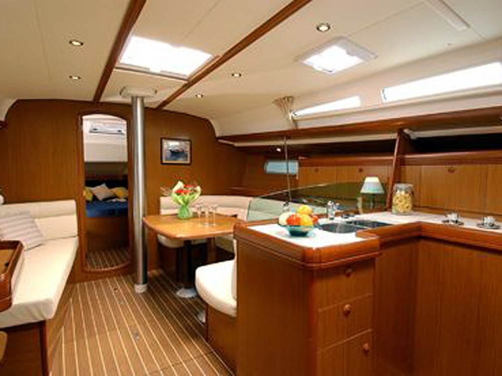Jeanneau Sun Odyssey 42 i between personal and professional Keramoti