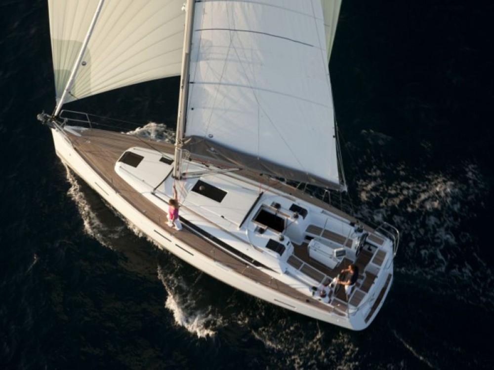 Boat rental Jeanneau Sun Odyssey 409 in Keramoti on Samboat