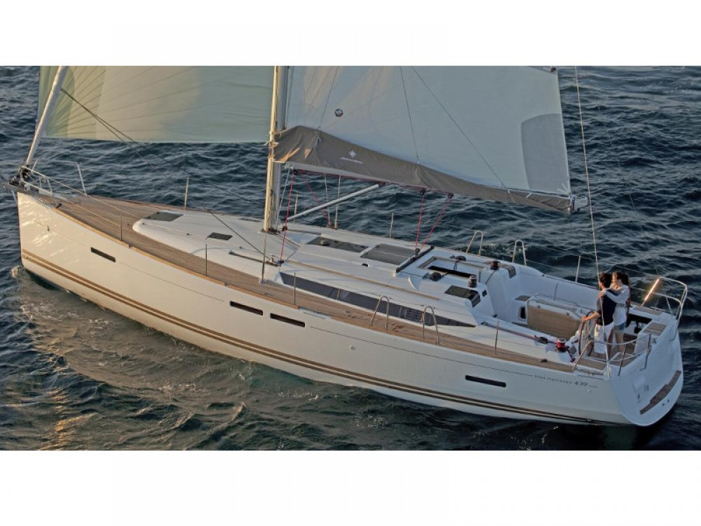 Jeanneau Sun Odyssey 439 between personal and professional Skiathos