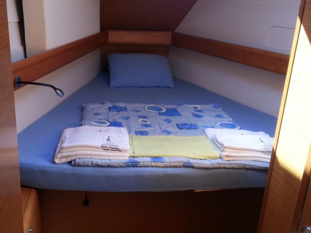 Boat rental Jeanneau Sun Odyssey 409 in Tivat on Samboat