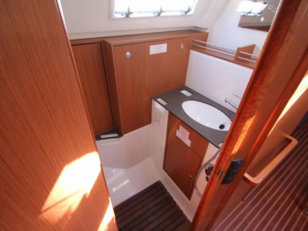 Rental yacht Skiathos - Bavaria Bavaria Cruiser 36  on SamBoat