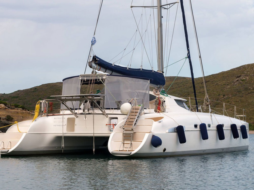 Hire Catamaran with or without skipper Fountaine Pajot Lefkas