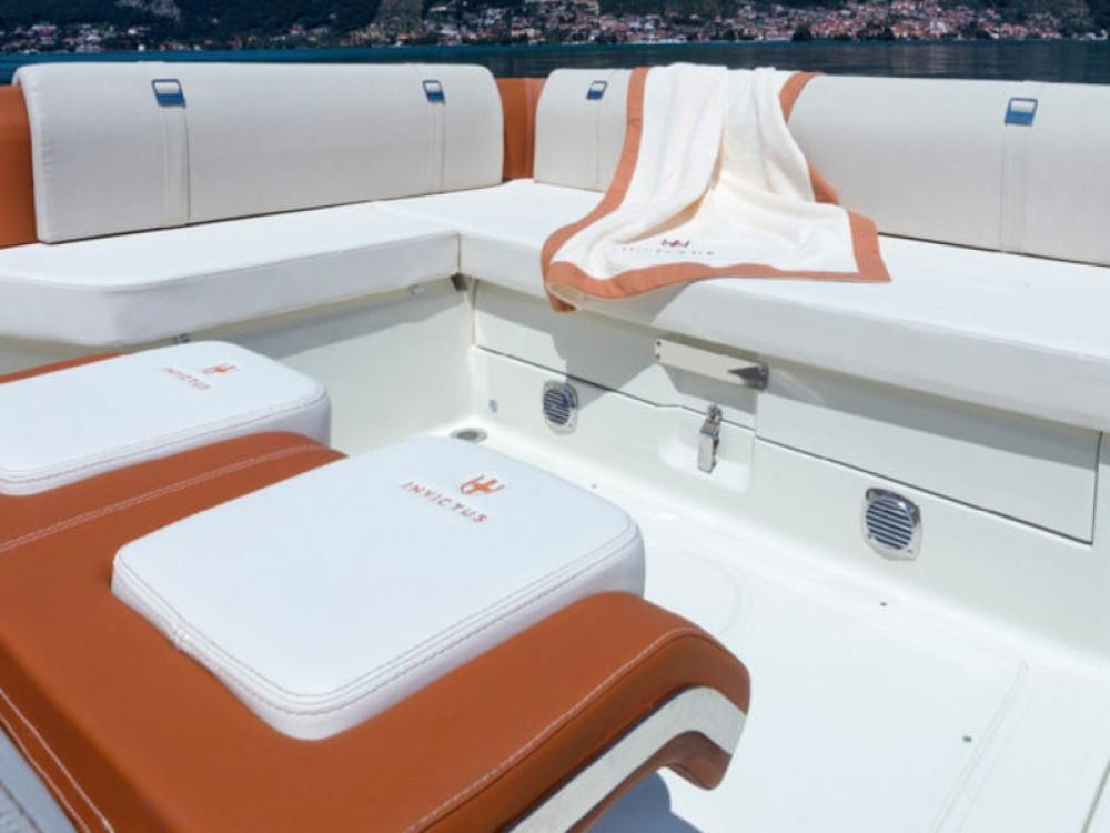 Rental Motor boat in Maó - Invictus  Invictus 270FX