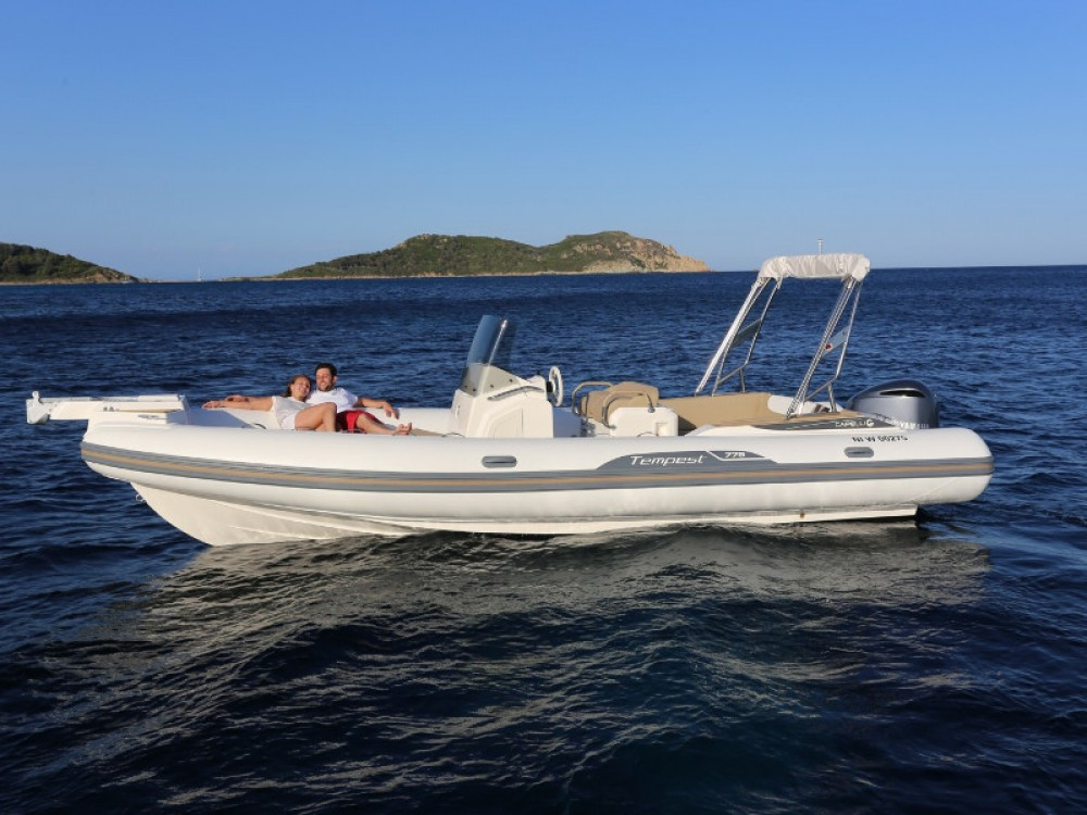 Rental Motor boat Cantieri with a permit