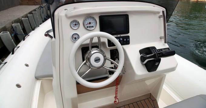 Louer Semi-rigide avec ou sans skipper Joker Boat à Sant Antoni de Portmany