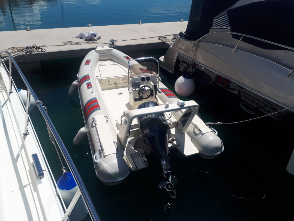 Hire Motor boat with or without skipper Barracuda Marina Pirovac