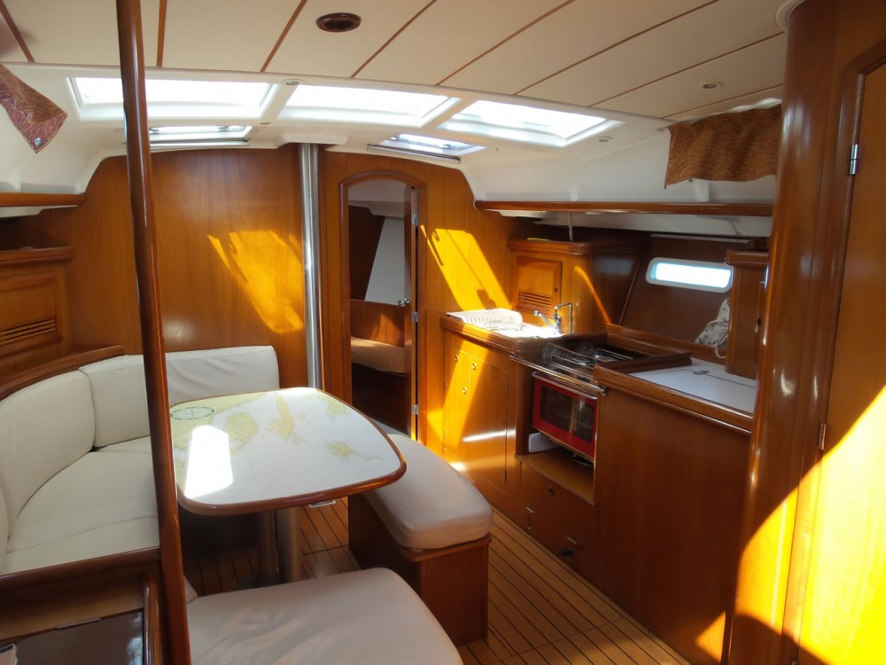 Rental Sailboat in Split - Bénéteau Oceanis 393 Clipper