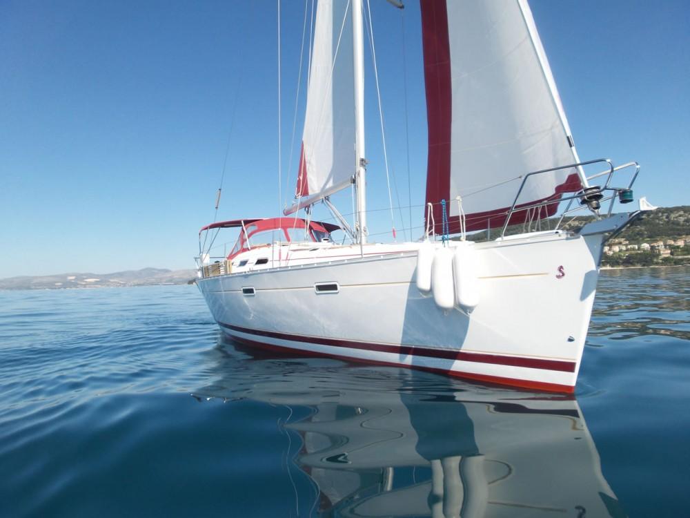 Boat rental Bénéteau Oceanis 393 Clipper in Split on Samboat