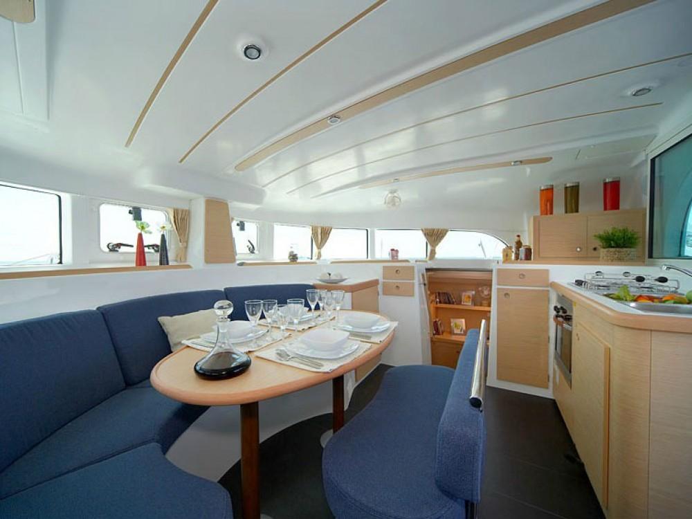 Rental yacht Greece - Lagoon Lagoon 380 on SamBoat