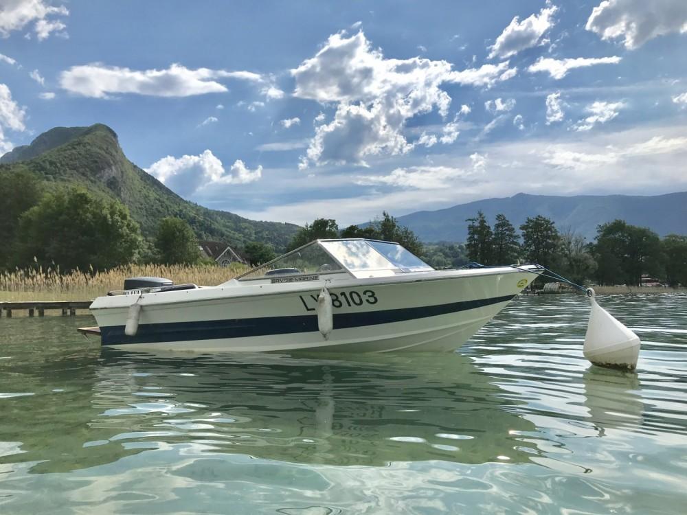 Louer Bateau à moteur avec ou sans skipper Savoie Marine à Saint-Jorioz