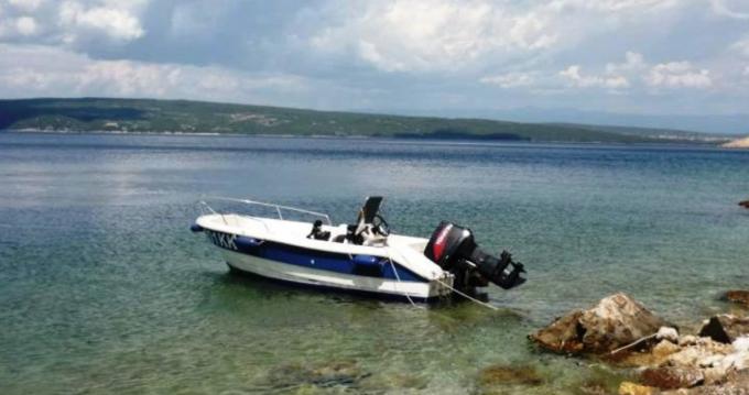 Louez un fisherman Speedy 450 à Krk
