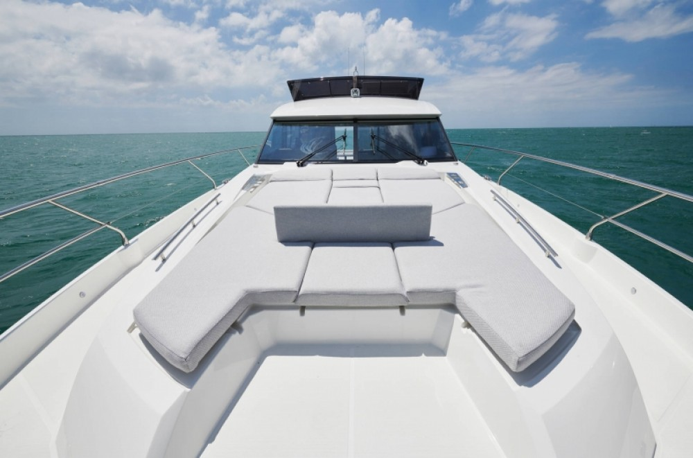 Location bateau Jeanneau Prestige 590 Flybridge - 3 + 1 cab. à Croatie sur Samboat