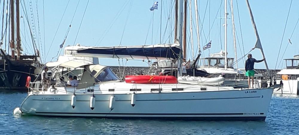 Bénéteau Cyclades 434 zwischen Privatpersonen und professionellem Anbieter Athen
