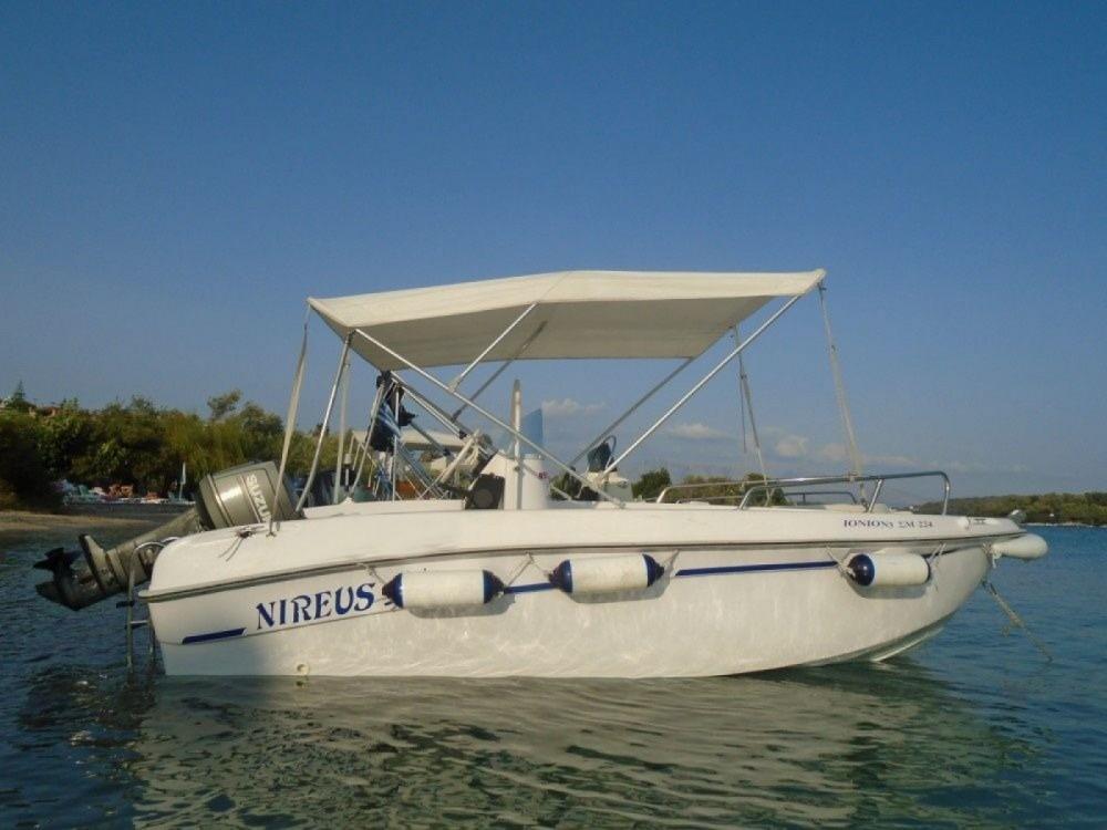 Location bateau NIREFS 440 à Nydri sur Samboat