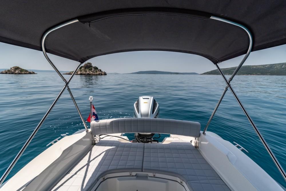 Schlauchboot mit oder ohne Skipper Marlin Boat mieten in Trau