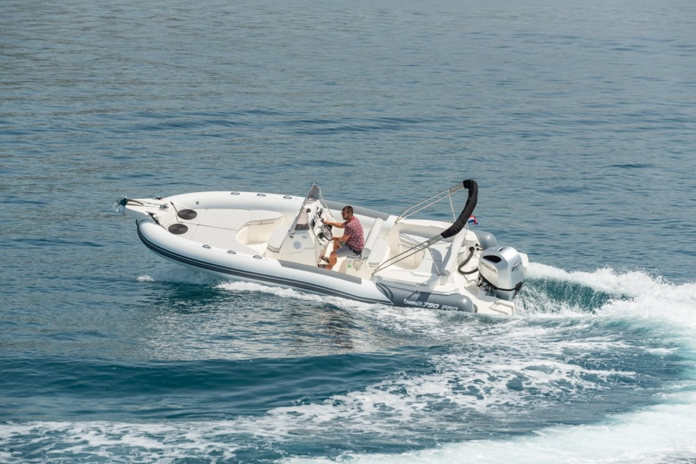 Location bateau Trogir pas cher 790 Pro Dynamic