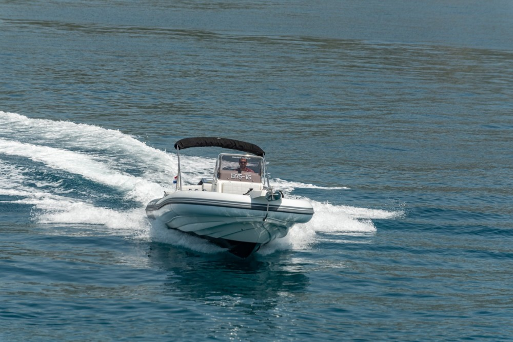 Schlauchboot mieten in Trau zum besten Preis