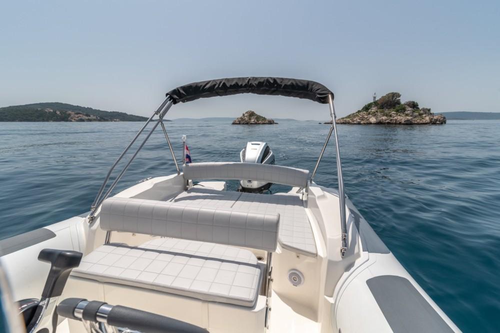 Boat rental Marlin Boat 790 Pro Dynamic in Trogir on Samboat