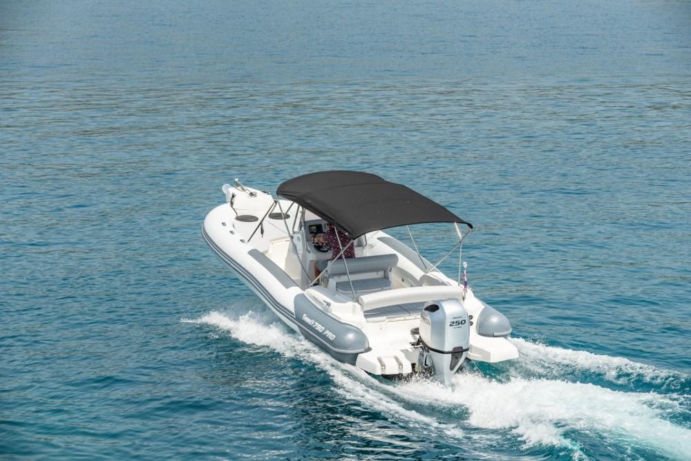 Marlin Boat 790 Pro Dynamic zwischen Privatpersonen und professionellem Anbieter Trau