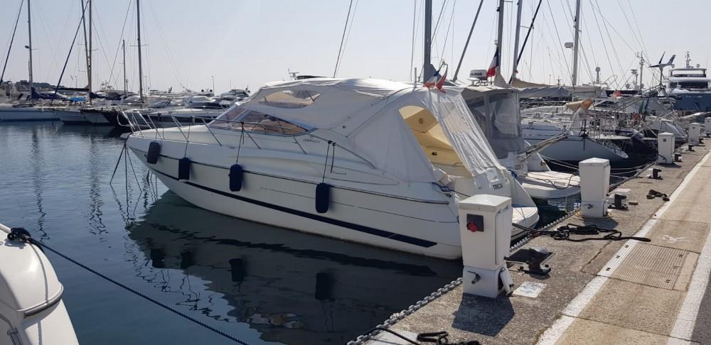 Louer Yacht avec ou sans skipper Cranchi à Antibes