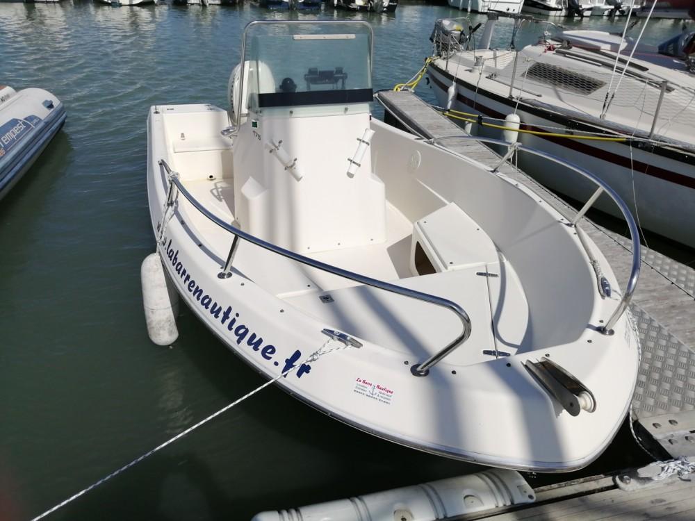 Location Bateau à moteur à Noirmoutier-en-l'Île - White Shark White Shark 175