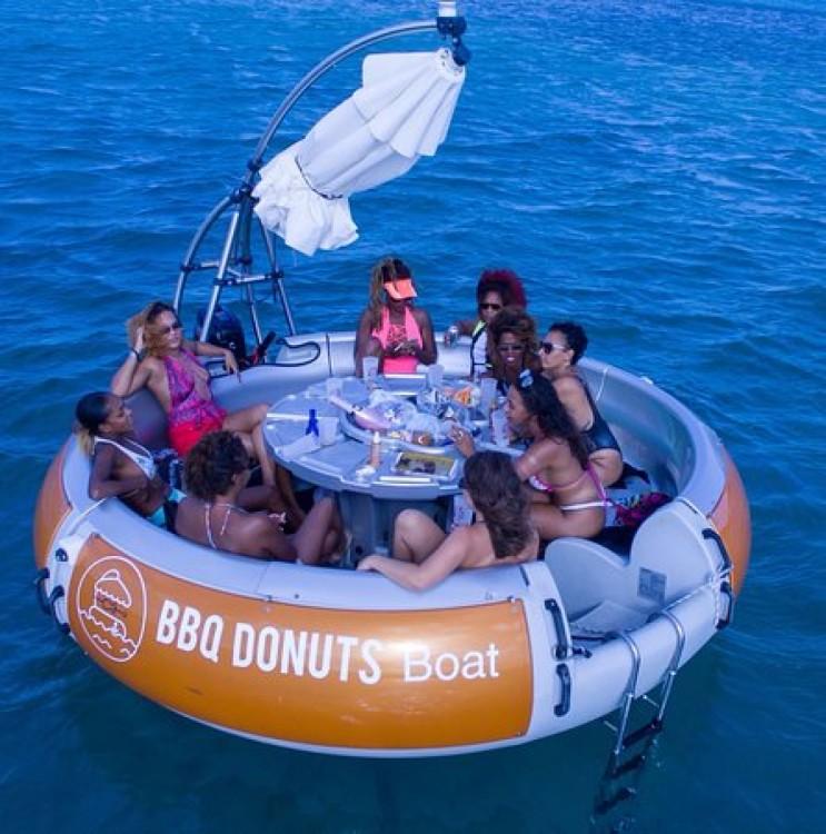 Alquiler de barcos Artthink GmbH BBQ Donuts Boat enLe François en Samboat