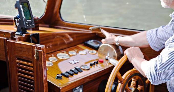 Boat rental Pettersson Model R29 OC Pettersson Model R29 OC in Venice on Samboat