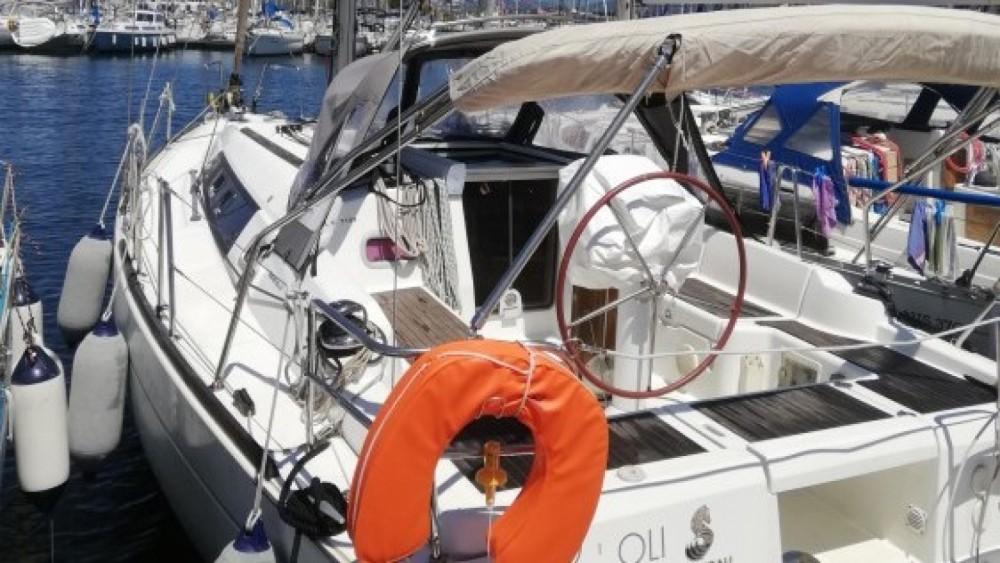 Location bateau Six-Fours-les-Plages pas cher Oceanis 34