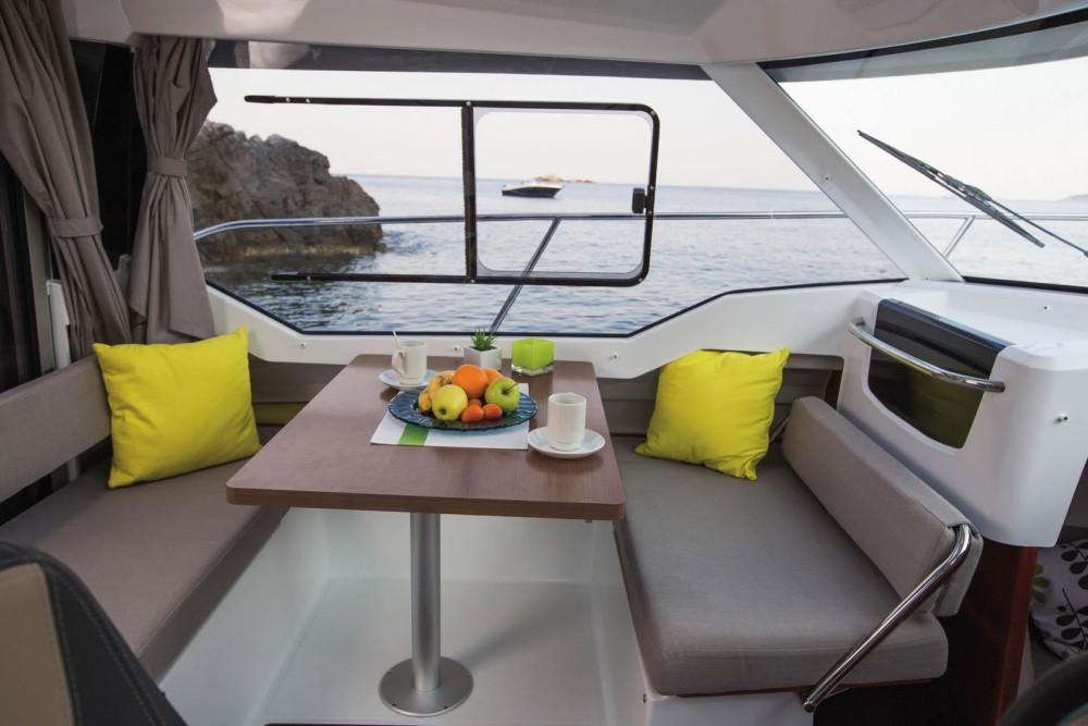 Location yacht à La Trinité-sur-Mer - Jeanneau Merry Fisher 795 sur SamBoat