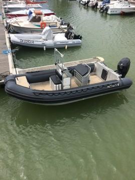 Location bateau NETHUNS NET MASTER 18 à Anglet sur Samboat