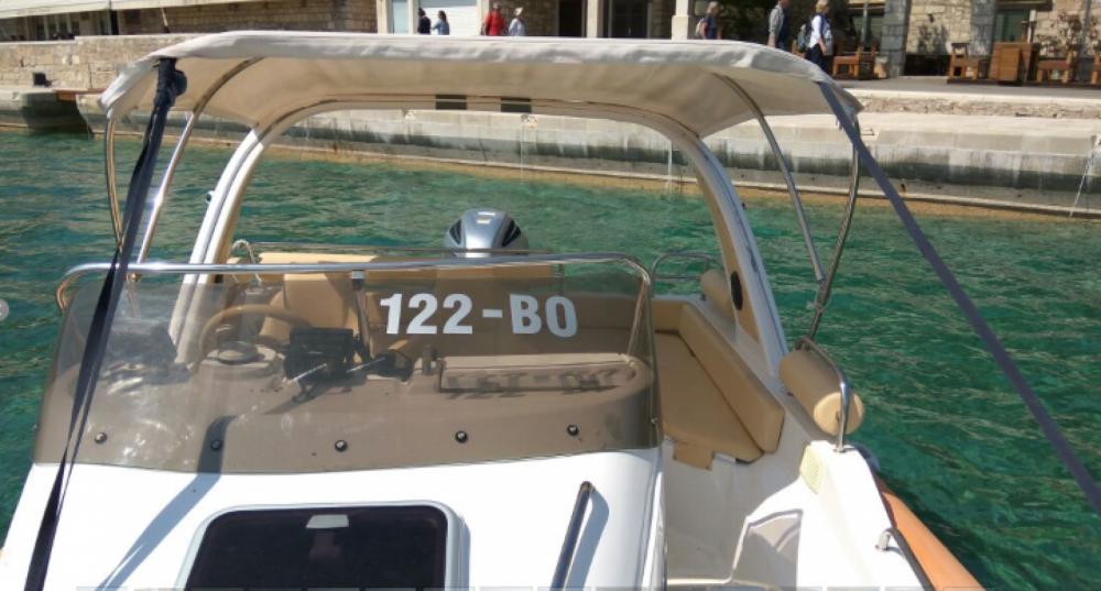 Rental RIB Aquamax with a permit