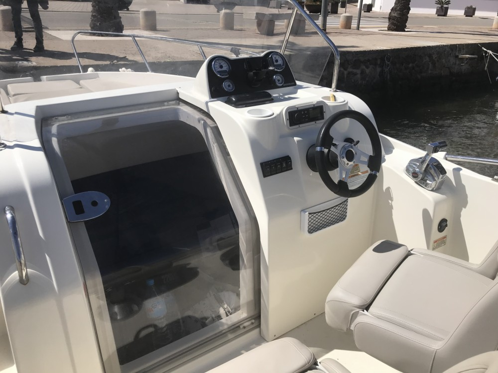 Quicksilver Activ 675 Sundeck te huur van particulier of professional in Balearic Islands
