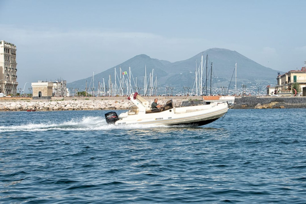 Noleggio Gommone con o senza skipper Solemar Napoli
