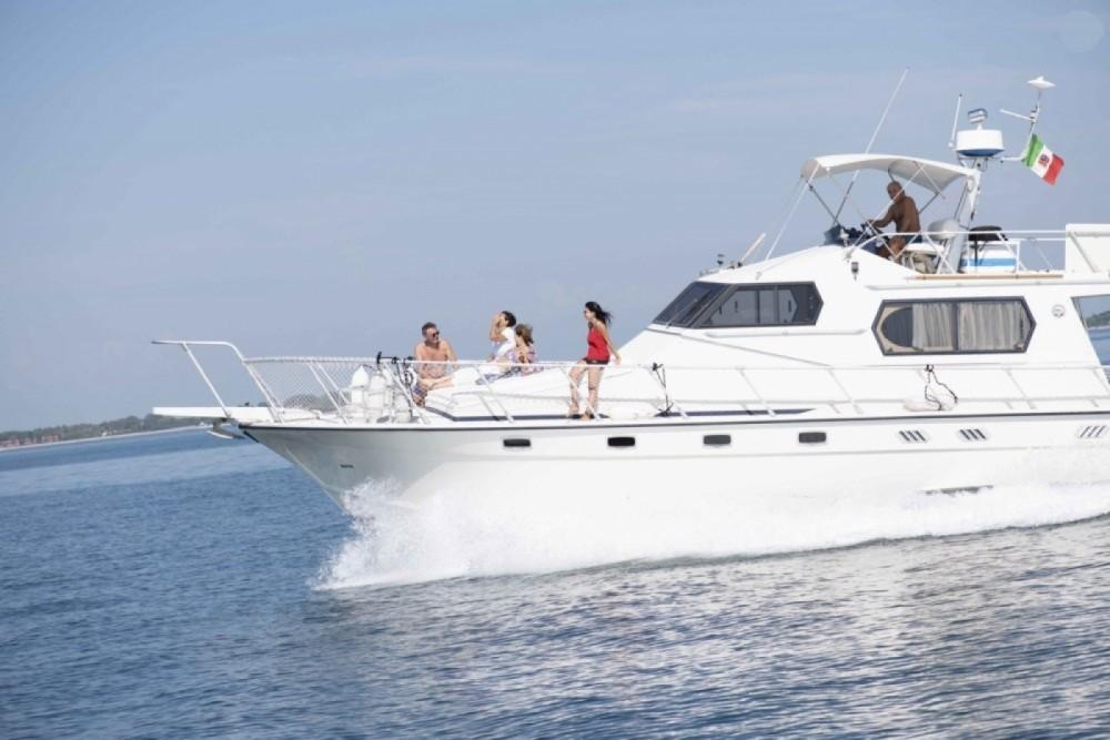 Location Yacht Della Pasqua avec permis