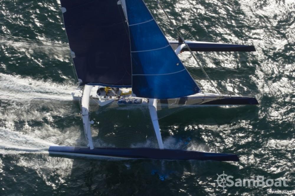 Location yacht à La Trinité-sur-Mer - Trimaran Prototype course sur SamBoat