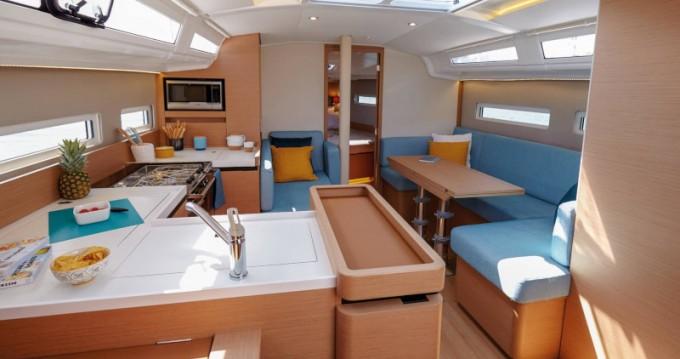 Jeanneau Sun Odyssey 410 entre particuliers et professionnel à Lávrio