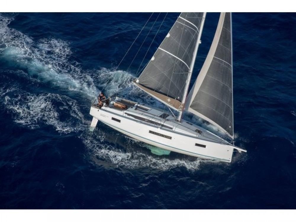 Rental Sailboat in Marina Gouvia - Jeanneau Sun Odyssey 410