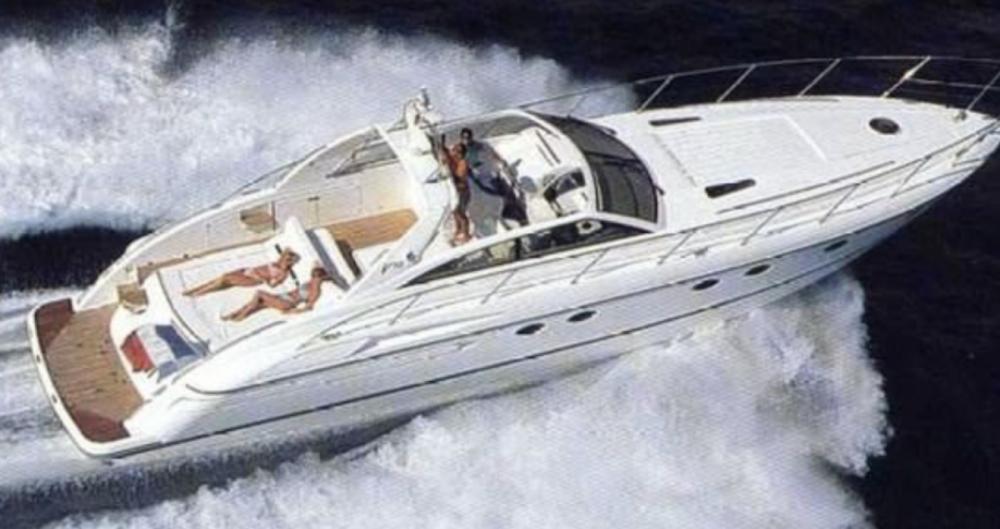 Louer Bateau à moteur avec ou sans skipper Princess à Saint-Tropez