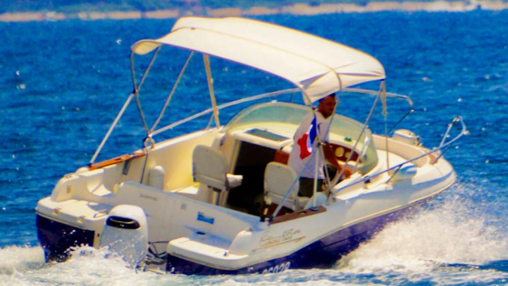 Location Bateau à moteur à Cannes - Jeanneau 625WA