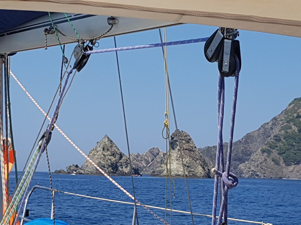 Rental Sailboat in Saint-Mandrier-sur-Mer - Jeanneau Voyage 11.20