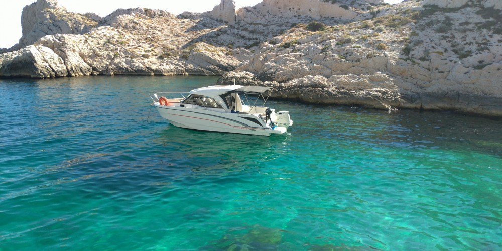 Location bateau Bénéteau Antares 8 OB à Marseille sur Samboat