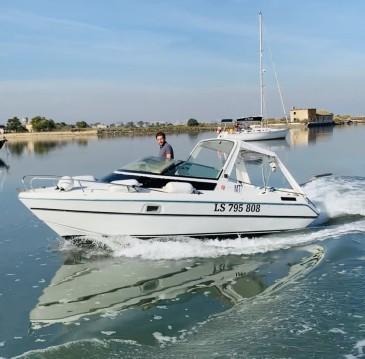 Louer Bateau à moteur avec ou sans skipper Jeanneau à Lisbon