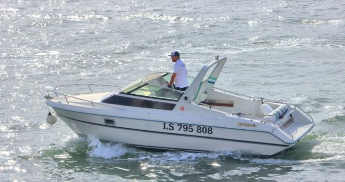 Location bateau Lisbon pas cher Leader 650