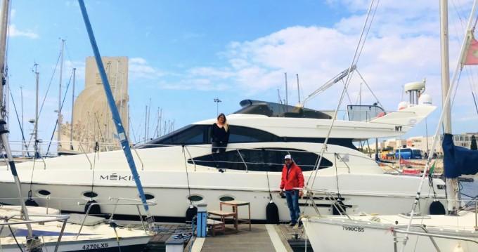 Location bateau Lisbon pas cher Azimut 52 Fly