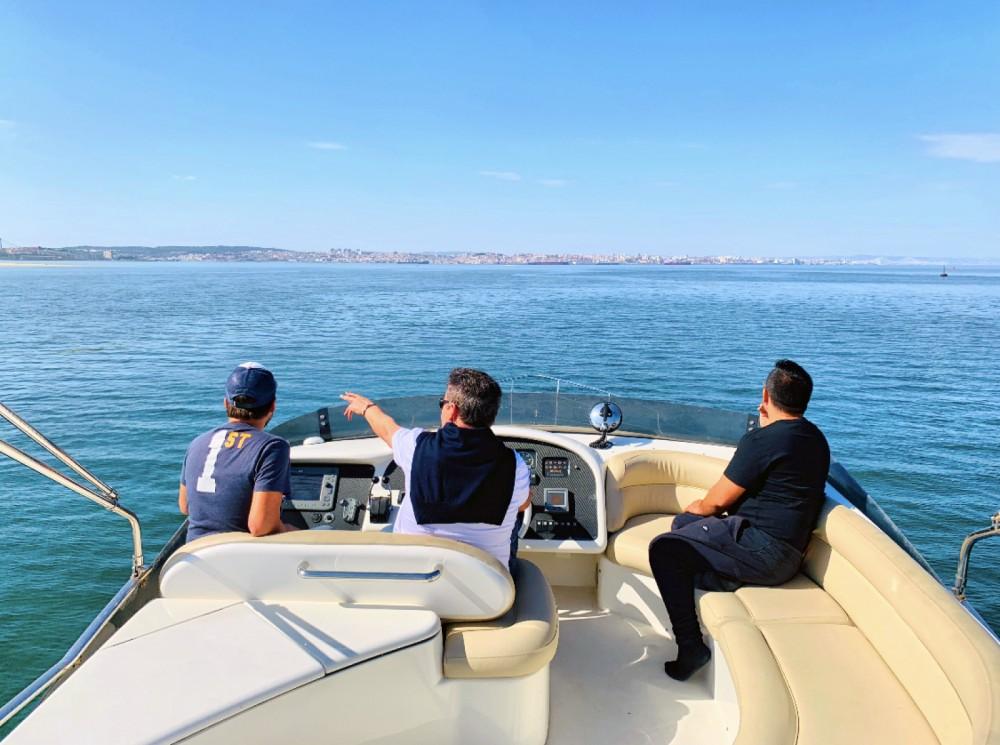 Rental yacht Área Metropolitana de Lisboa - Azimut Azimut 52 Fly on SamBoat