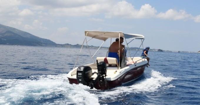 Poseidon Poseidon 5 M entre particuliers et professionnel à Zakynthos (Île)